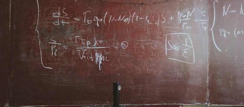 Uczniowie umawiają się z nauczycielami
